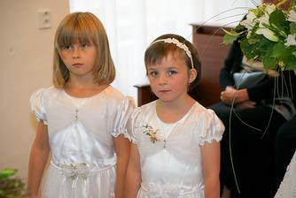 naše úžasné družičky - neteř a dcera svědka