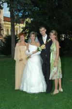 S Marekovou mamkou a sestrou v parku po obrade