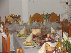 Výzdoba - mladomanželský stôl