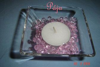 ...tak takto nějak...místo bílé svíčky budou růžová srdíčka...