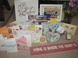 No a po svatbě jsme dostali ještě druhou půlku dárků... moc děkujeme všem:-)