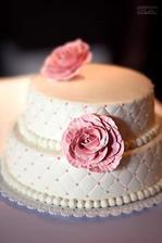 Krásný a výborný dort od paní cukrářky Ondrové.