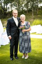 a ženich s maminkou