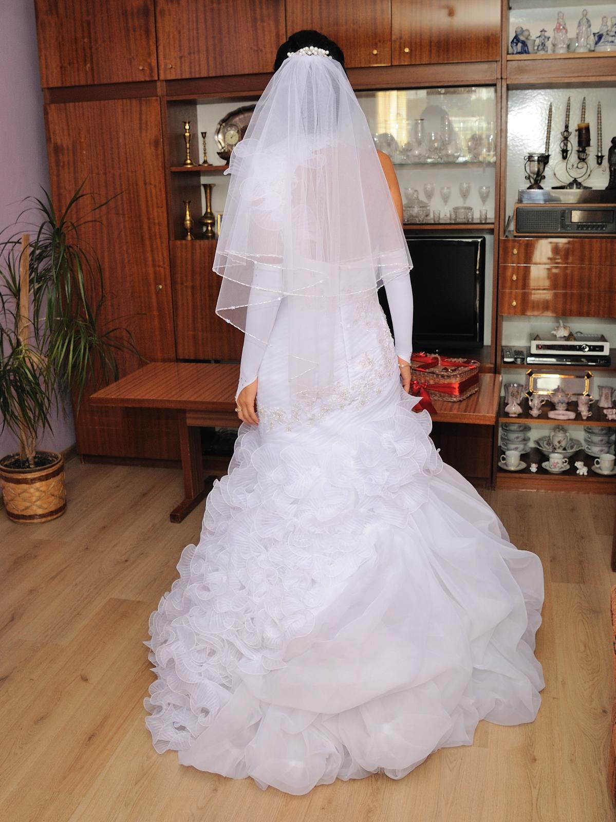 zaujimave svadobne saty - Obrázok č. 2