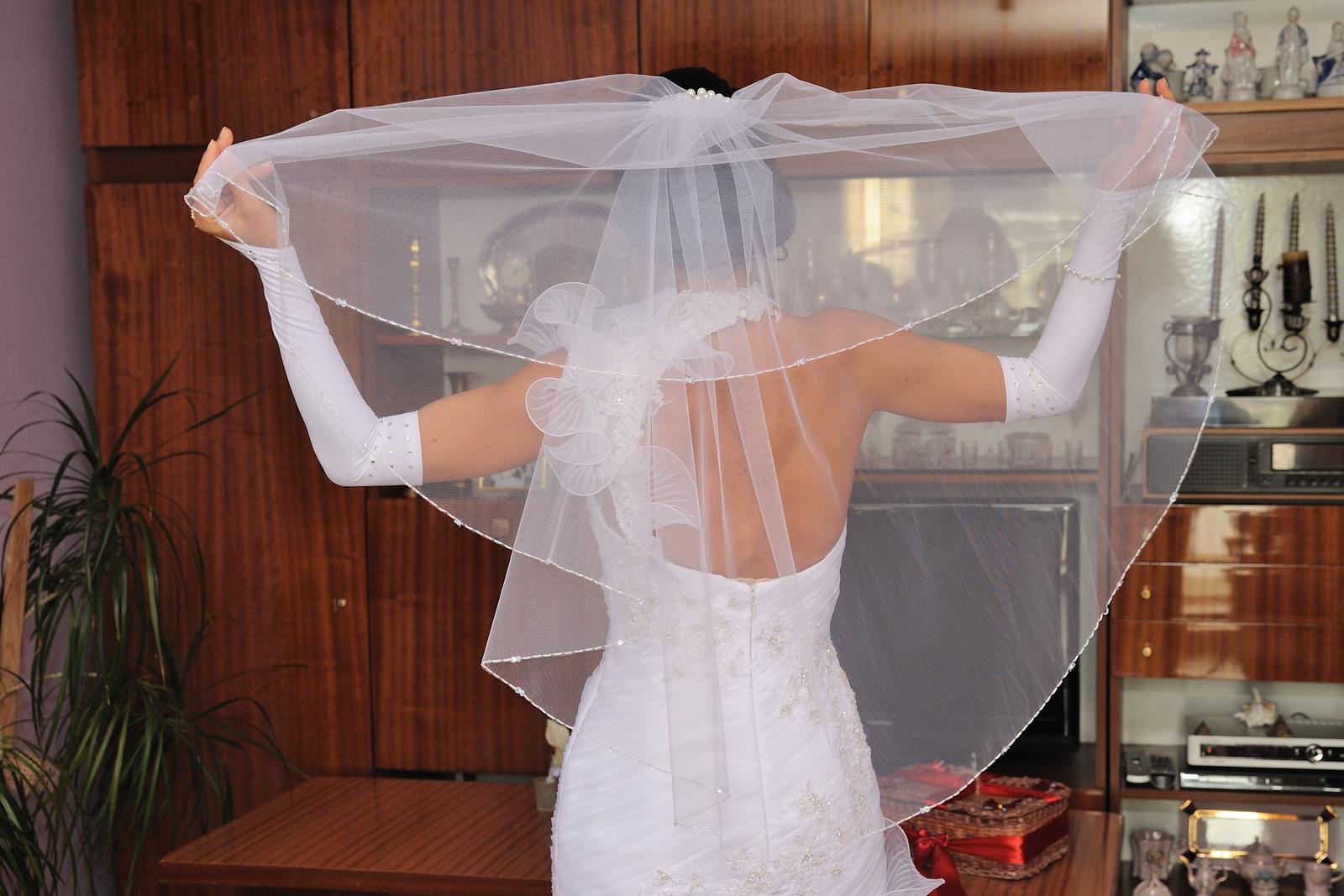 zaujimave svadobne saty - Obrázok č. 3