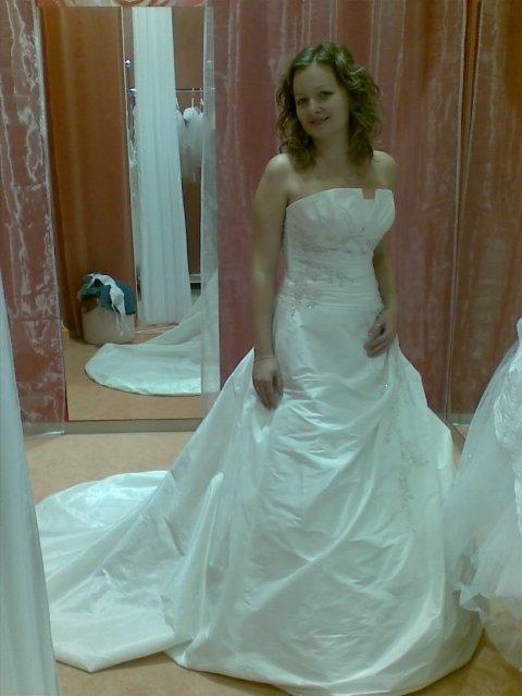 Prípravy na 8.8.2009 - a ešte raz moje šaty (la sposa model fuego)