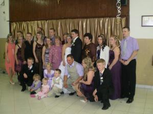 moja rodina, surodenci (10): všetky 6 sestry majú fialové šaty, 4 bratov už musíte nájsť :D