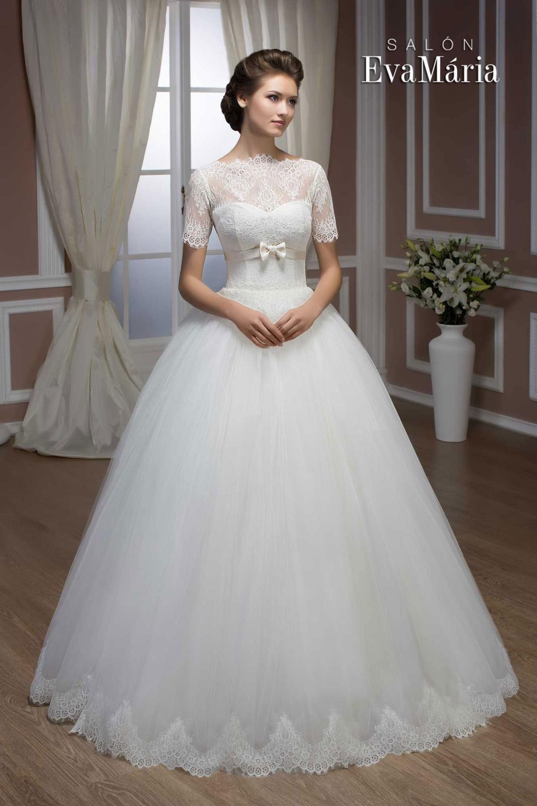 b2762d550028 Kto ušije tieto svadobné šaty na mieru  - - Svado...