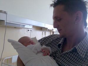 tu som s tatkom este v nemocnici