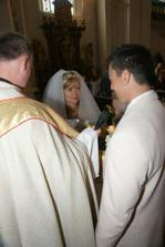 ...ženich slibuje lásku a věrnost :-)