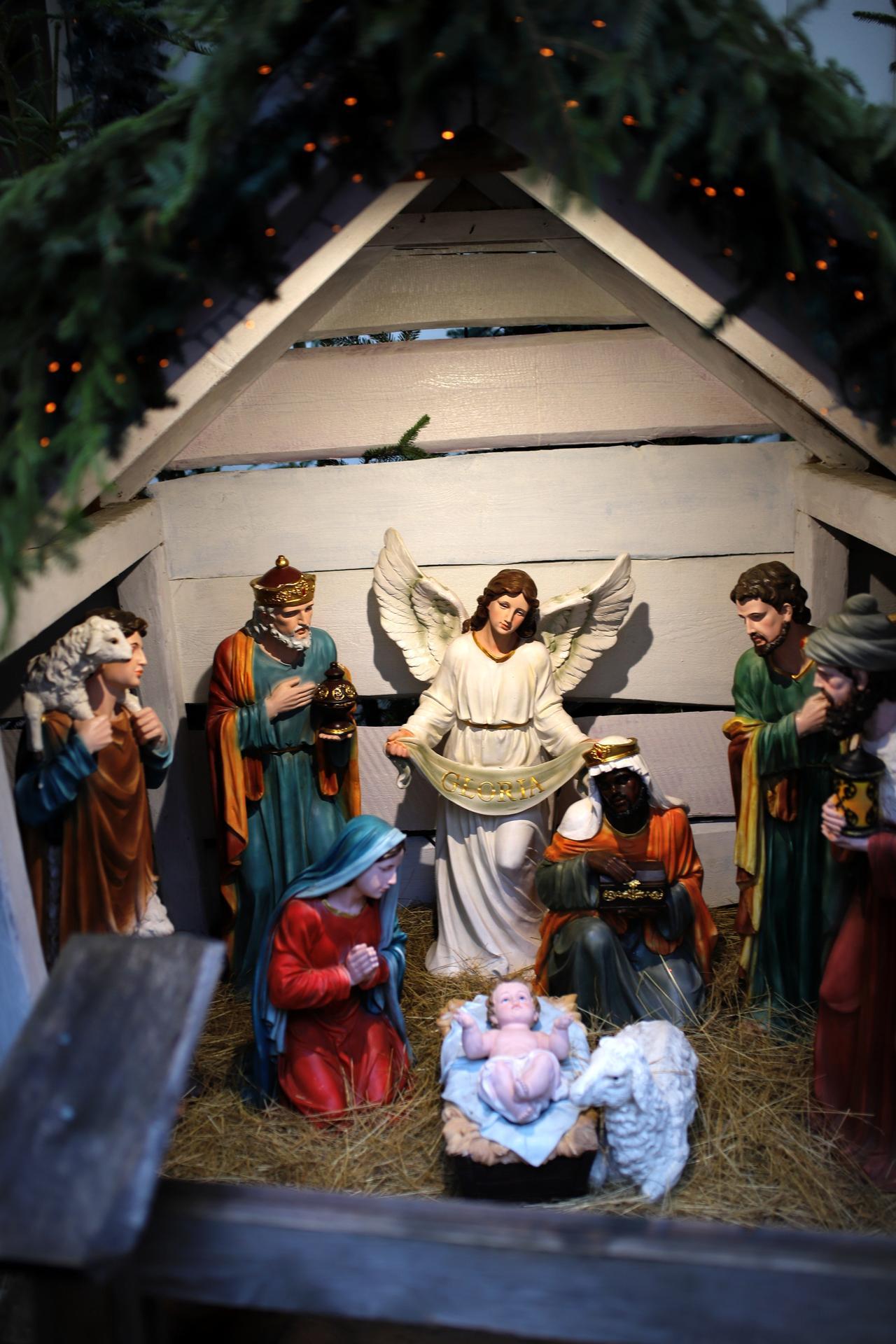 K našemu adventu  patří i návštěva Vánočního domu v Karlových Varech. Kdo nezná, určitě stojí za návštěvu! Více foto a informací na instagramu giselle.cz - Obrázek č. 3
