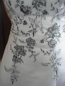 Svatební šaty velikost 40, původní cena 8000 kc, 40