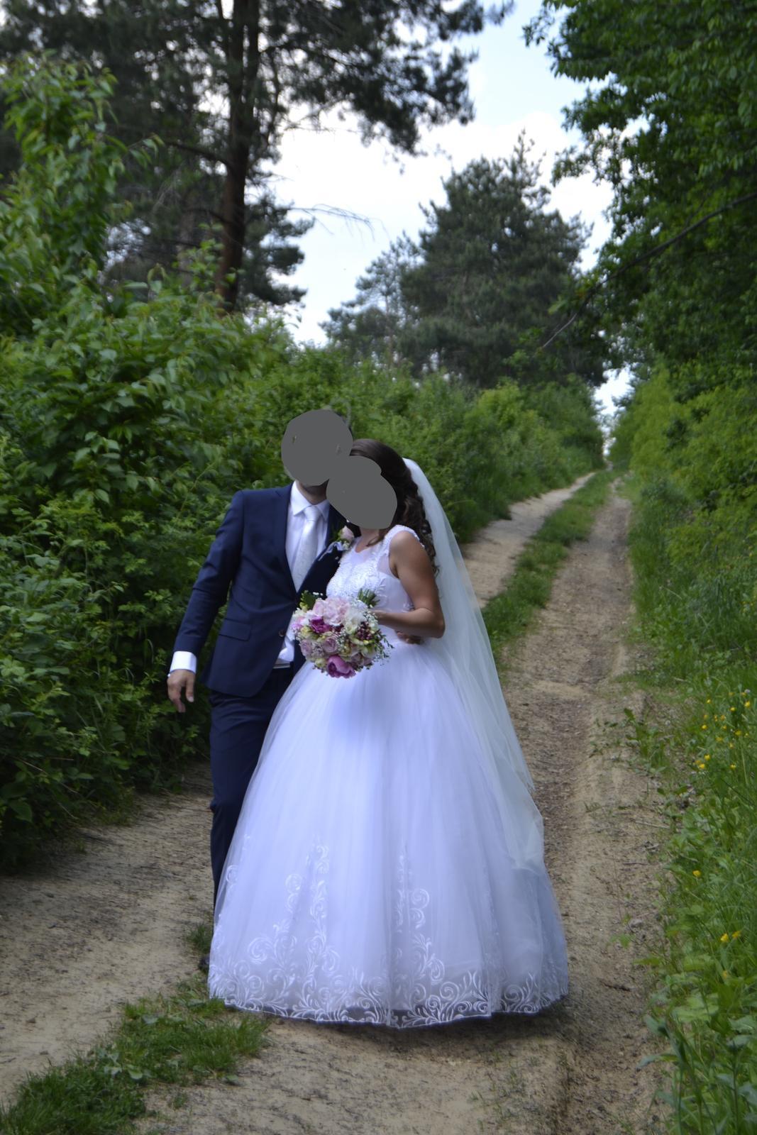 Snehovo biele svadobné šaty - Obrázok č. 1