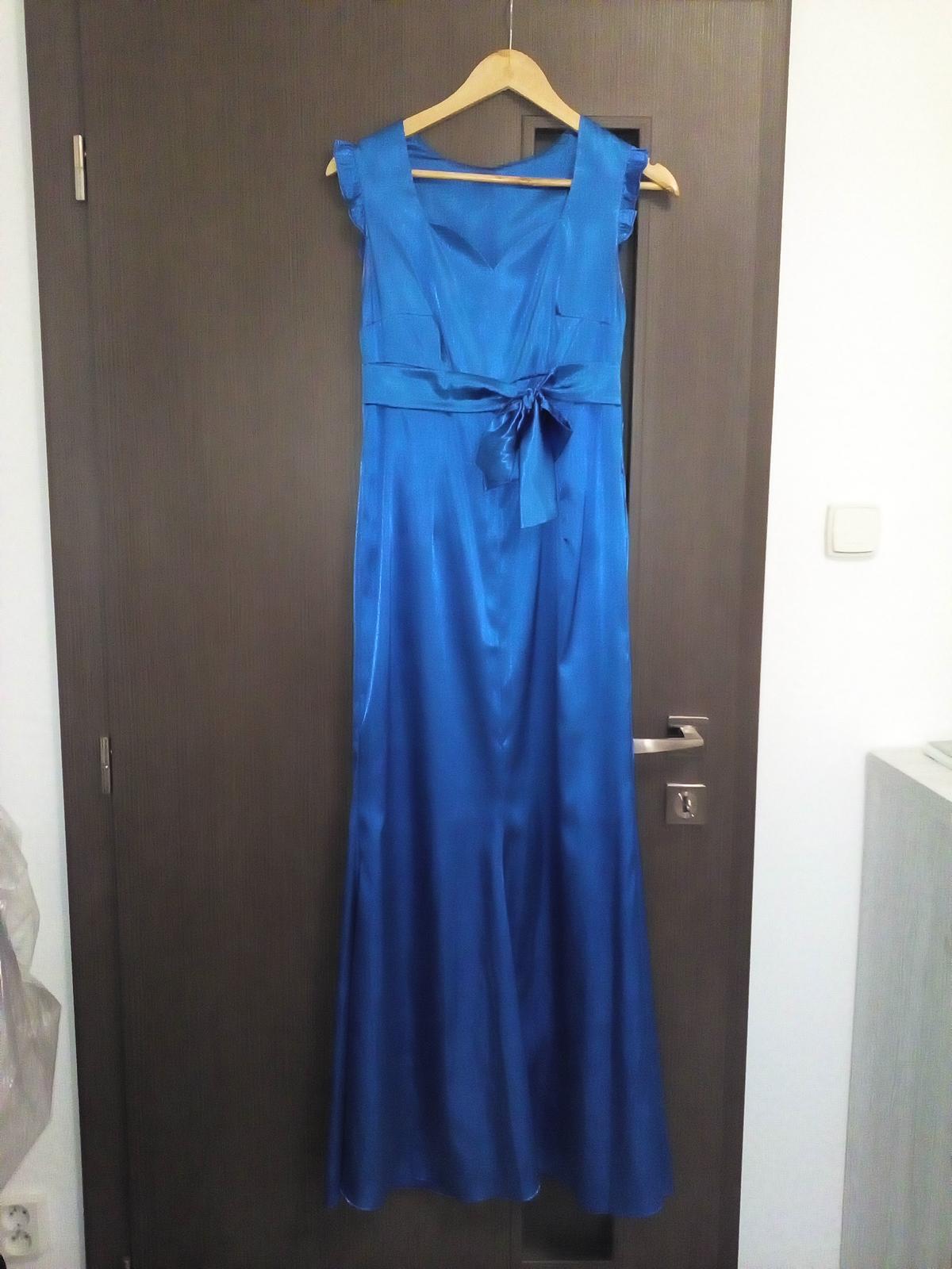 Dlhé saténové šaty - Obrázok č. 1
