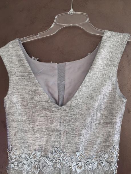 dlhé spoločenské strieborné šaty - Obrázok č. 4