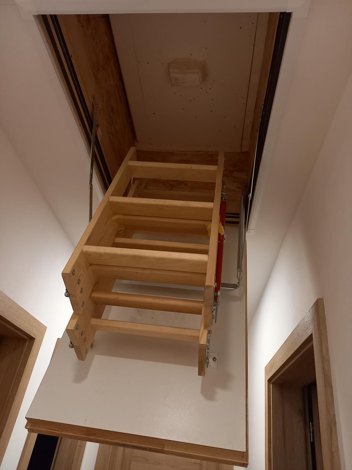 Půdní schody mám ... - Obrázek č. 1