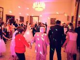 Zámocká svadba s výbornými svadobčanmi