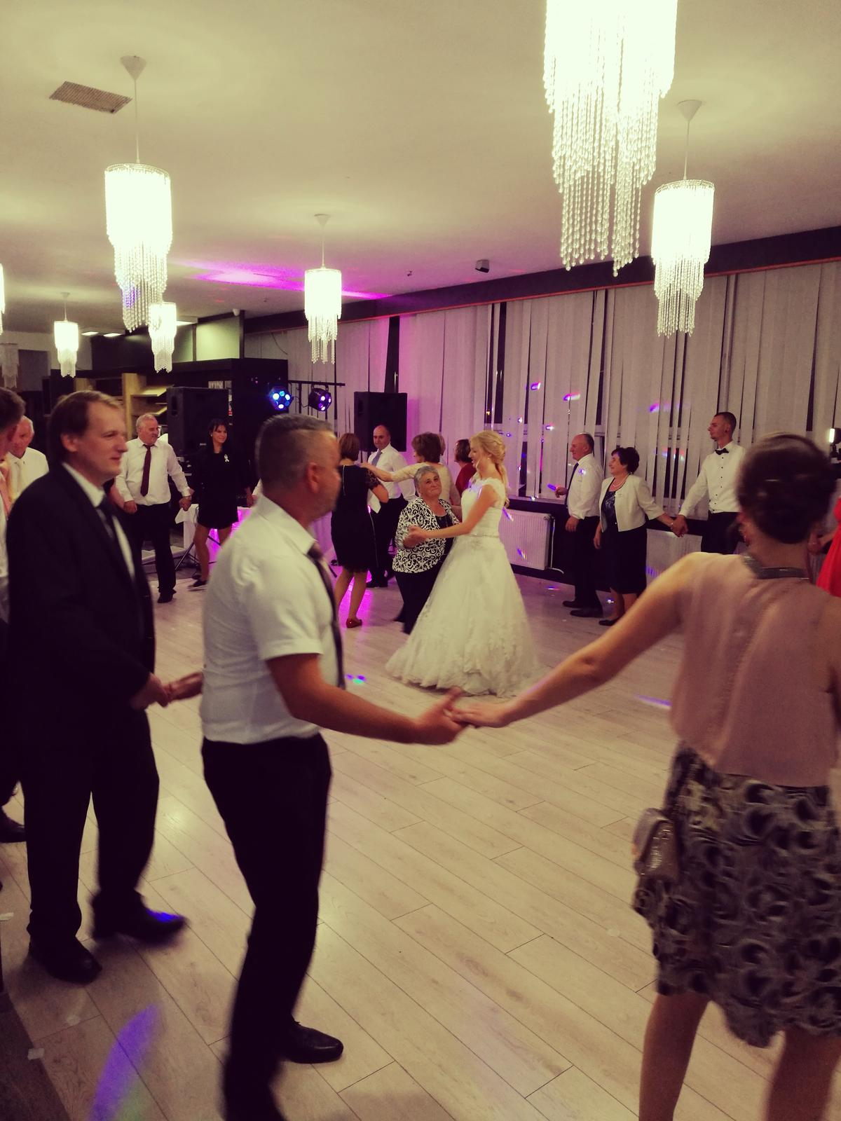 dj_erni - Relax UCM Trnava - Lucia a Tomáš, skvelá slovensko - maďarská svadba poriadne od podlahy