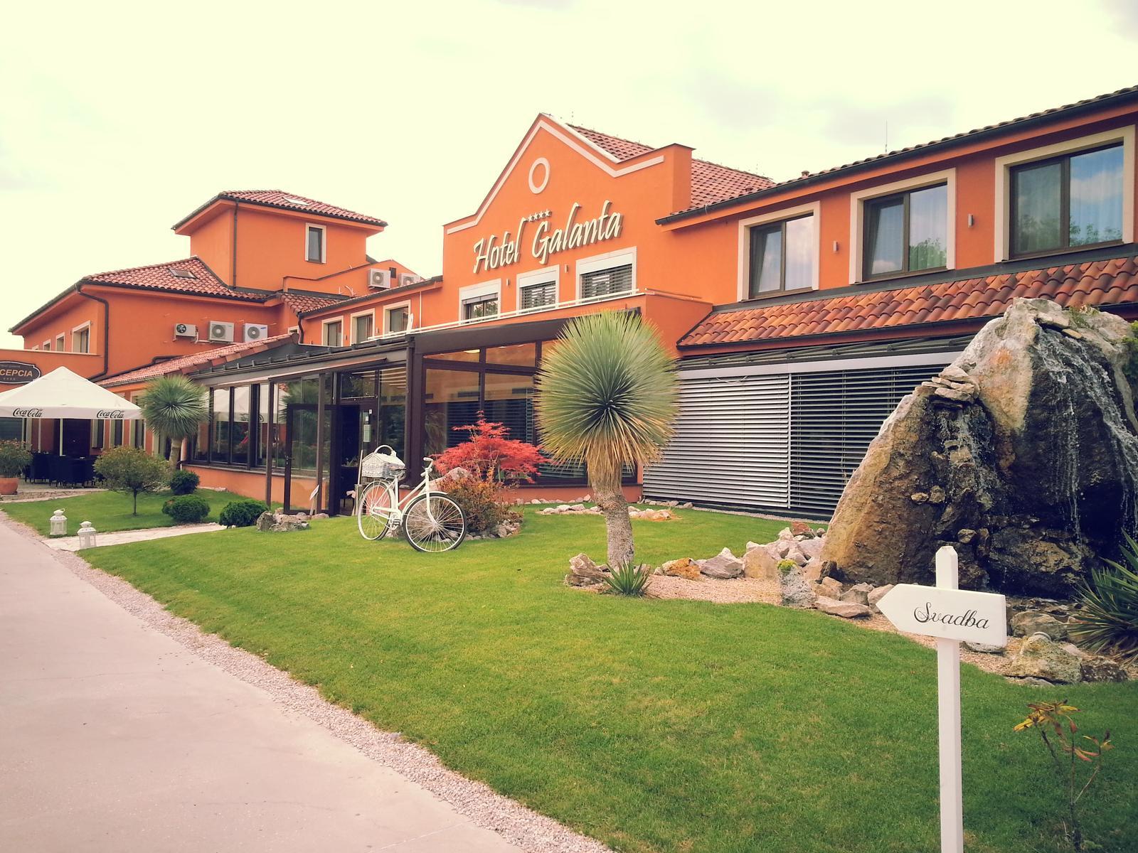 dj_erni - Hotel Galanta - Simona a Braňo, júlová svadba s milou dvojicou a skvelými hosťami
