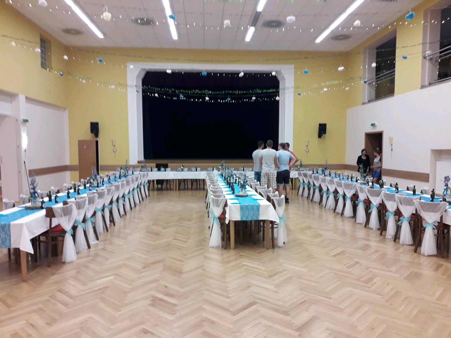 Světle modré mašle na židle 12 cm x 1m, 90 ks - Obrázek č. 3