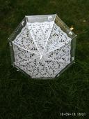 Průhledný deštník s krajkou,