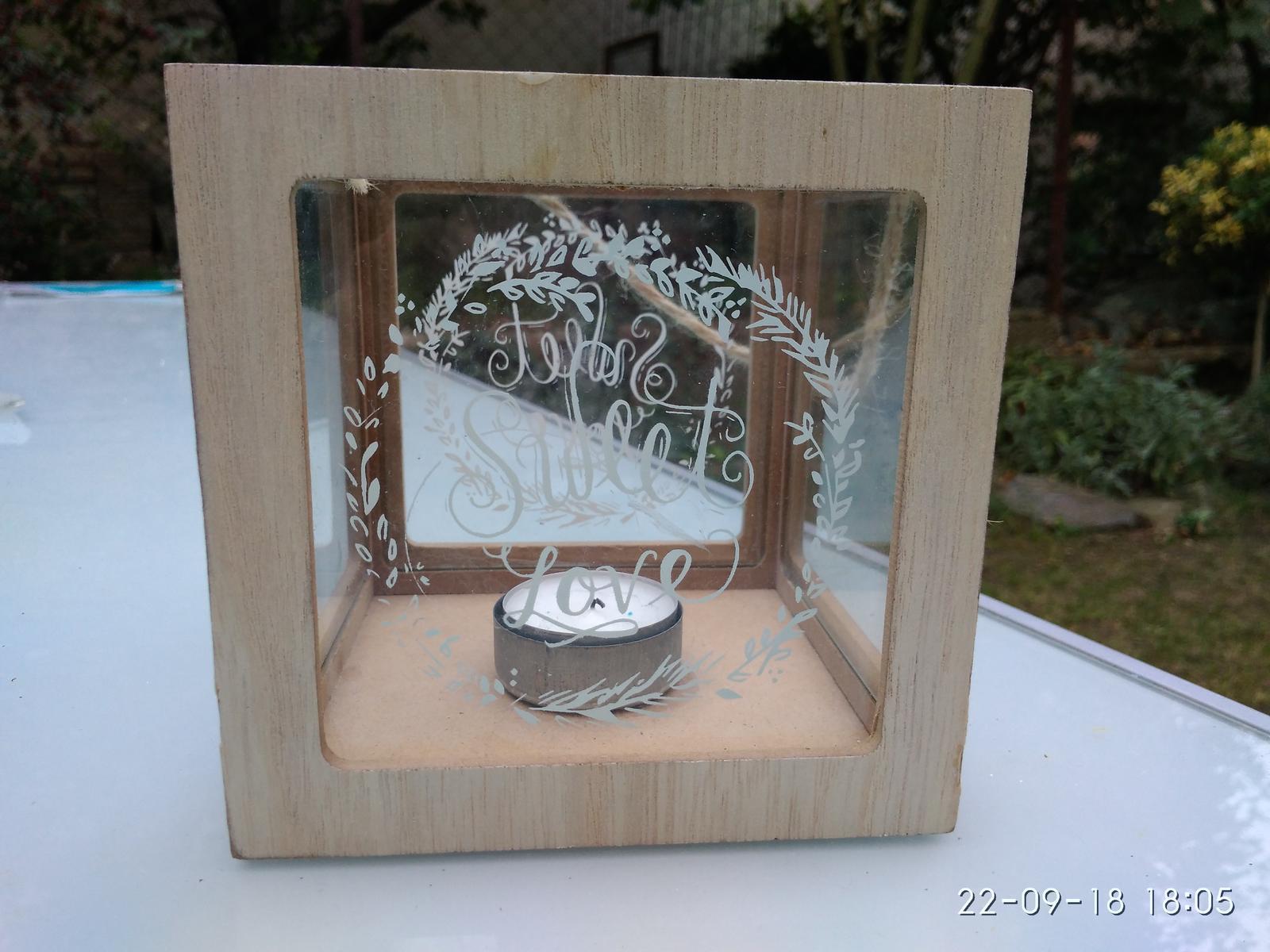Svícen / lucerna sweet love dřevo a sklo - Obrázek č. 1