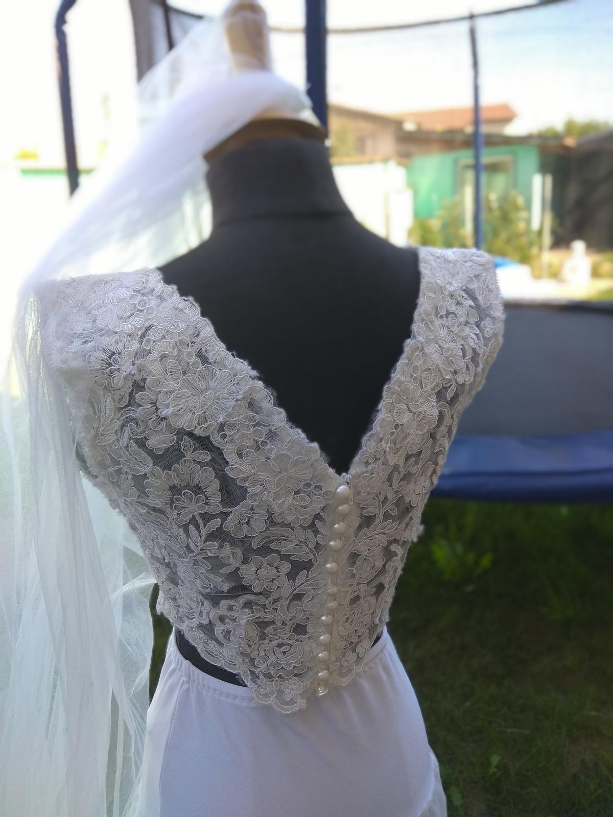 Dvoudílné svatební šaty - Obrázek č. 1