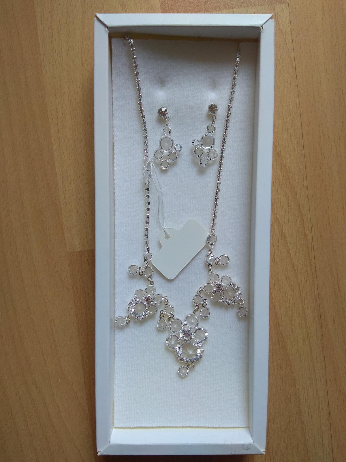 Sada náušnic a náhrdelníku - Obrázek č. 1