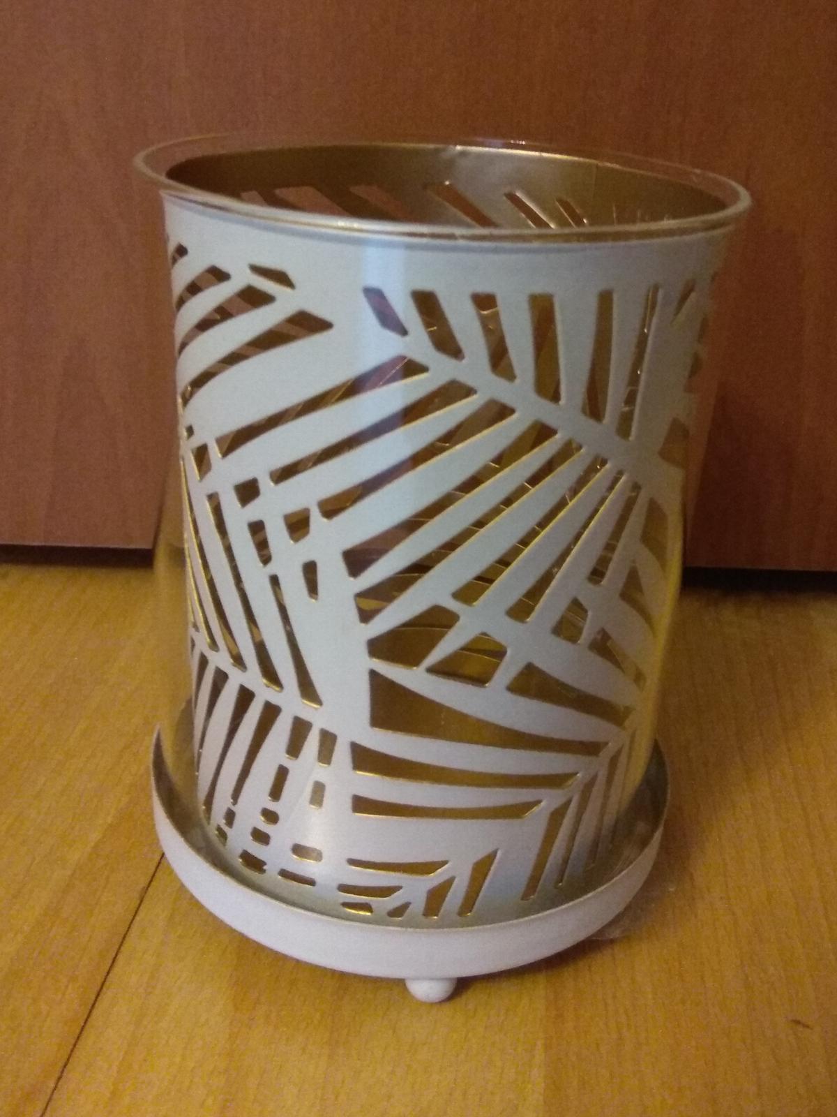 Bílo zlaté kovové svícny - Obrázek č. 1