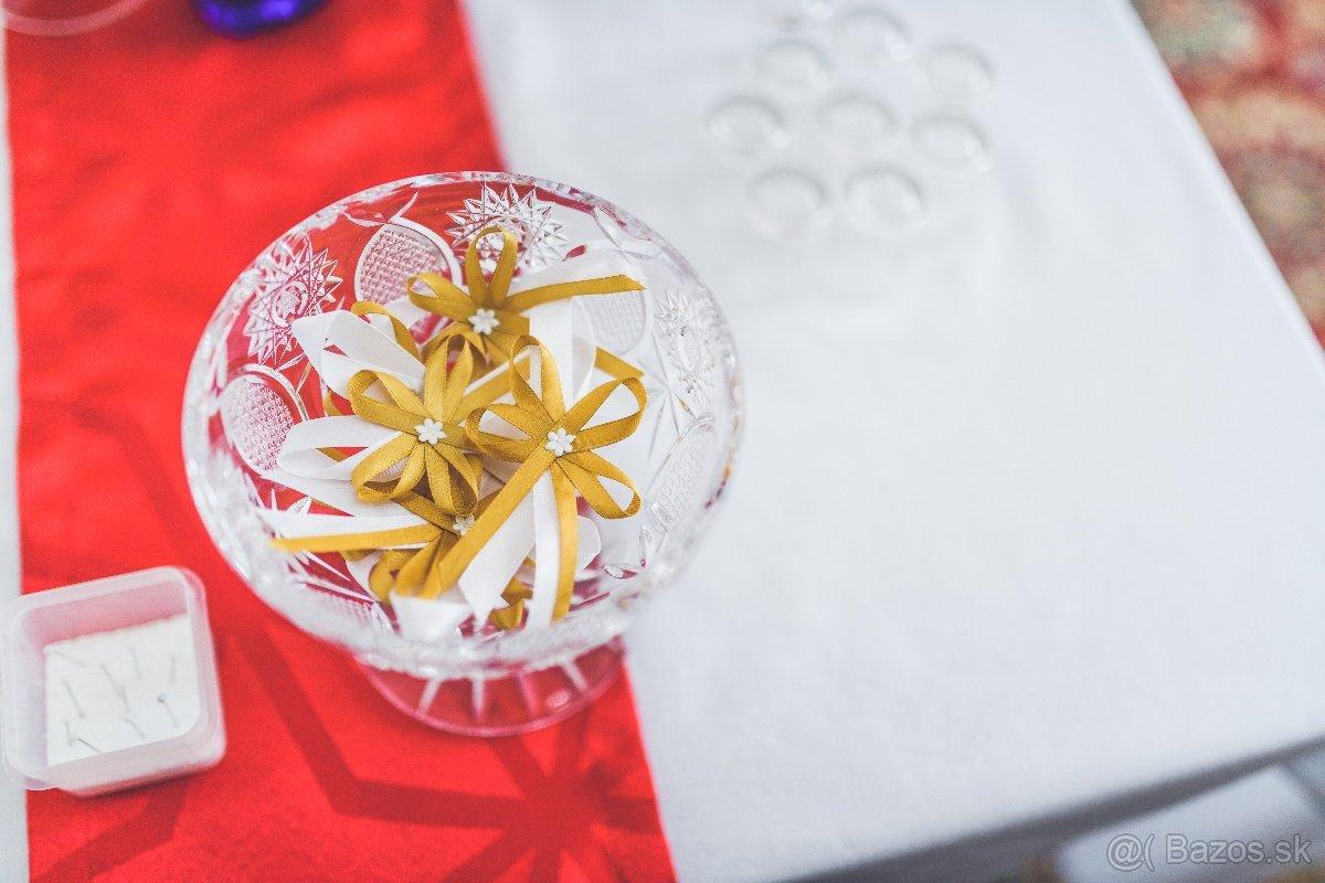 Svadobné pierka bielo-zlaté - Obrázok č. 1