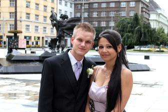 Bráška s přítelkyní