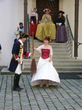...ženich byl unesen a nevěsta musí složit výkupné...