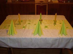 dekoraci stolu..