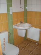 Hotovo spodní koupelna