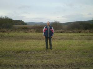 Šťastný majiteľ na pozemku :-))