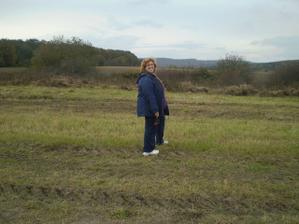 Predchádzam sa po našom pozemku .-))