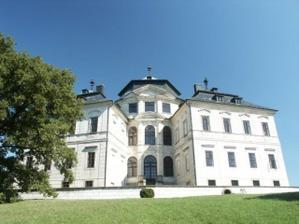 tak tady se budeme brát - zámek Karlova Koruna