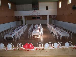 Takto sme mali vyzdobené v sále kde sa schádzali hostia (ešte Tovarné).