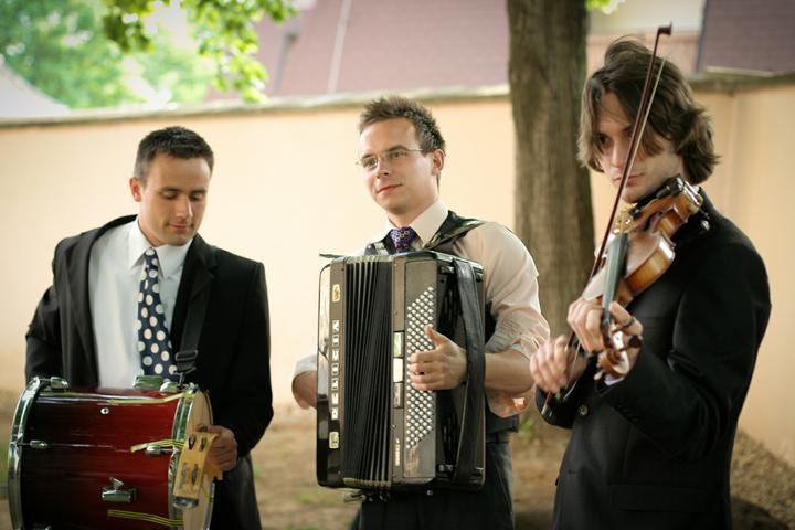 Majka{{_AND_}}Mirko - nasi kamarati muzikanti sa nedali zapriet :)