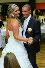 Prvé tanečky s mojim manželom :)