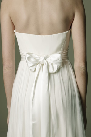 Šaty - zaostrené na chrbát - Obrázok č. 25