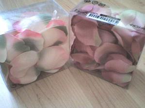 lístečky růží