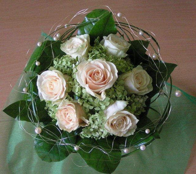 Žabkovo zelená...29.09.2007 - túto som dostala pri preberaní ceny od p. Bagoňa- práca kvetinárstva Daniela Design...