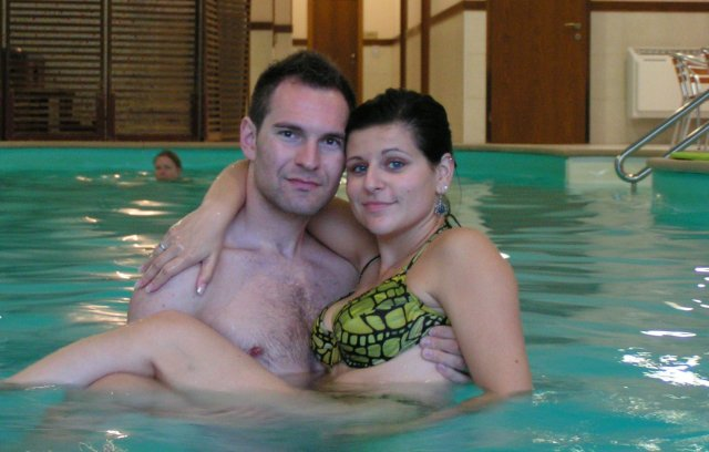 Žabkovo zelená...29.09.2007 - svadobná noc(alebo pobyt) v hotely Victoria- super bazén, sauna, vírivka... a mňamky jedlo