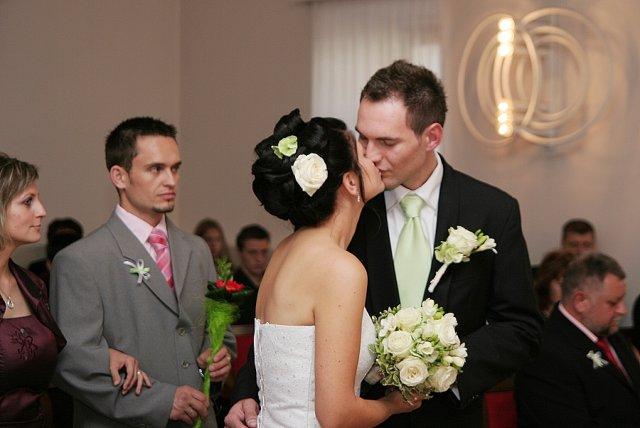 Ivka Sigutová{{_AND_}}Vladko Rumpeľ - prvý manželský...