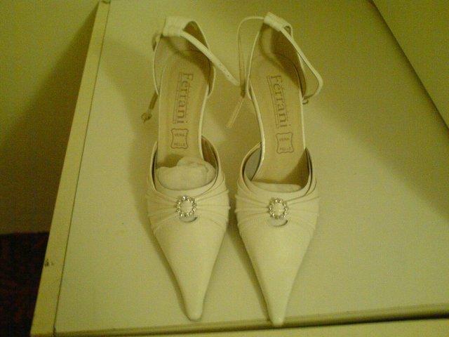Martina Kresanová & Martin Wenger - svadobné topánky