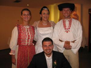 Skvelé!Odbehli si priamo z vystúpenia na Hrušove.Ďakujem Vlaďuška a Stanko!!!!!