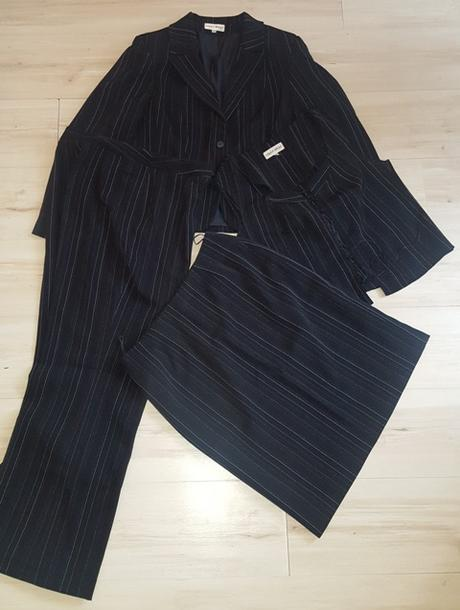 Čierny kostým 4 kombinácia - Obrázok č. 1