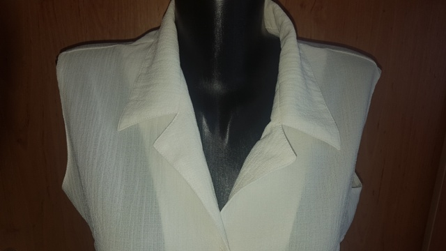 Biely blúzkový top - Obrázok č. 2
