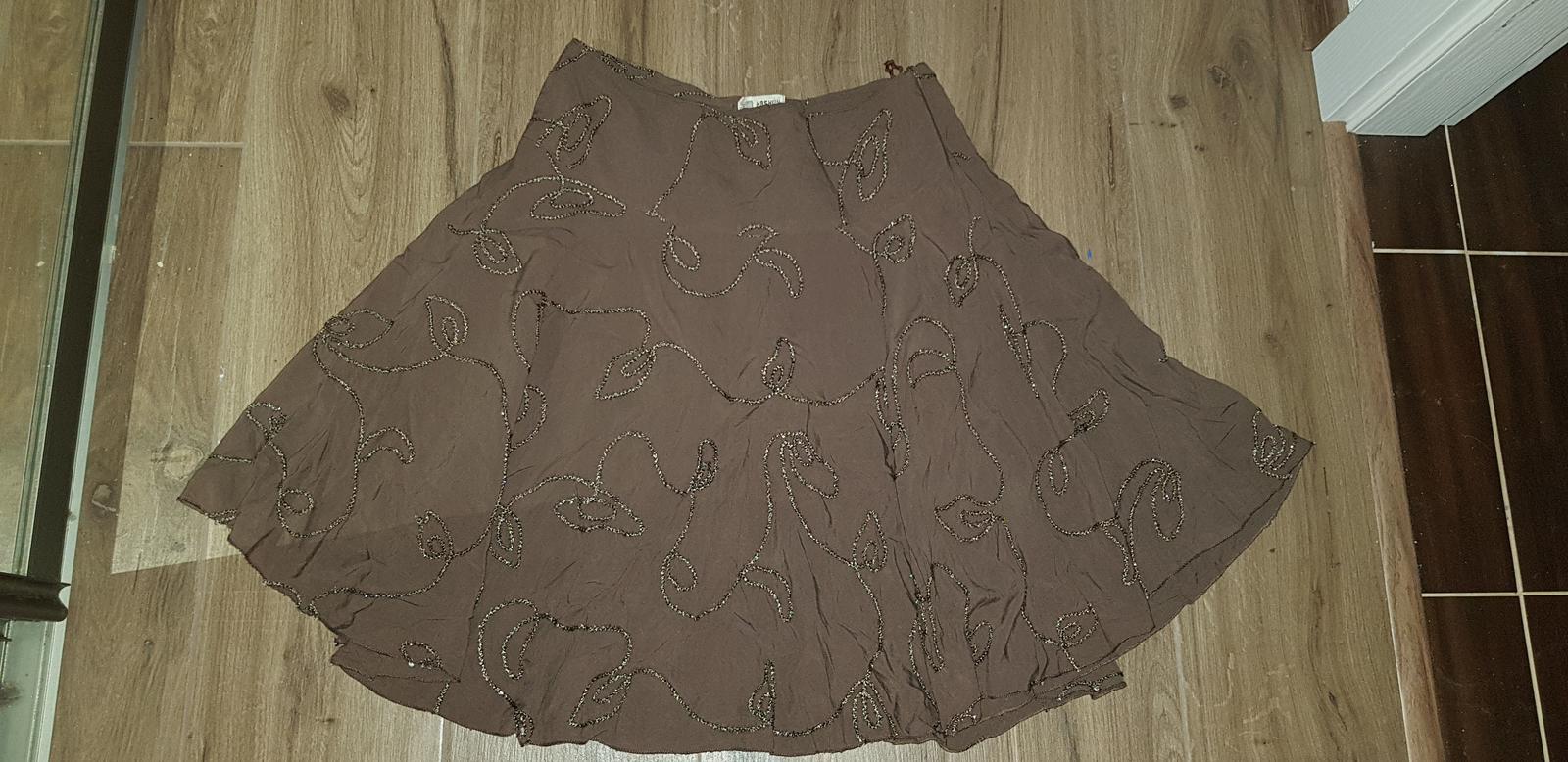 Hnedá sukňa - Obrázok č. 1